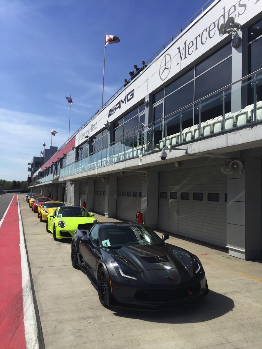 """Тренинг для дилеров""""Chevrolet Camaro, Corvette & Cadillac CTS-V"""" проводился весной 2017 года на Автодроме """"Moscow Raceway"""""""