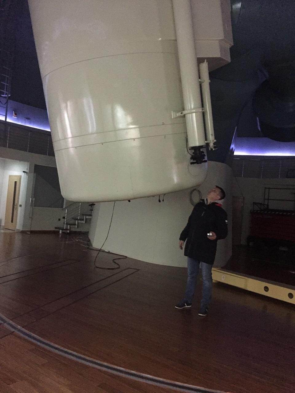 «контакт» со звездным небом через 2-х метровый телескоп, безусловно, украсил бы любой проект