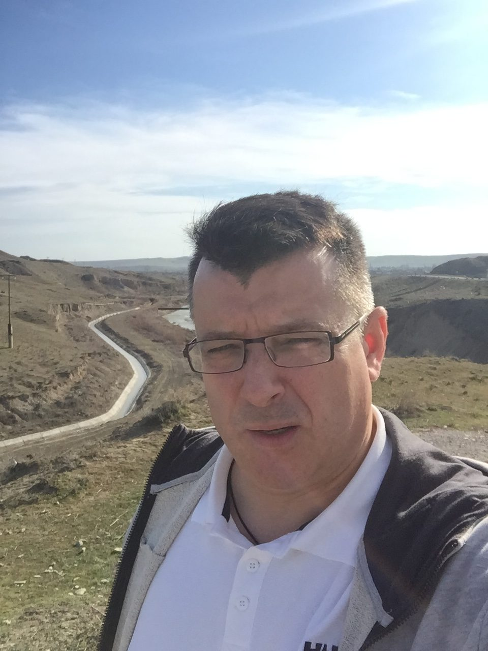 Исходя из запроса, мы предложили маршрут Баку - Гянджа для первой группы и Гянджа – Москва для второй. Расстояние между городами 345 километров (из них 280 автомагистраль), которые участники преодолевали за 1,5 дня