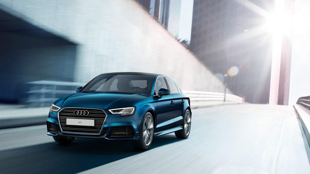 Audi A3- серебро в категории «Компактные автомобили»