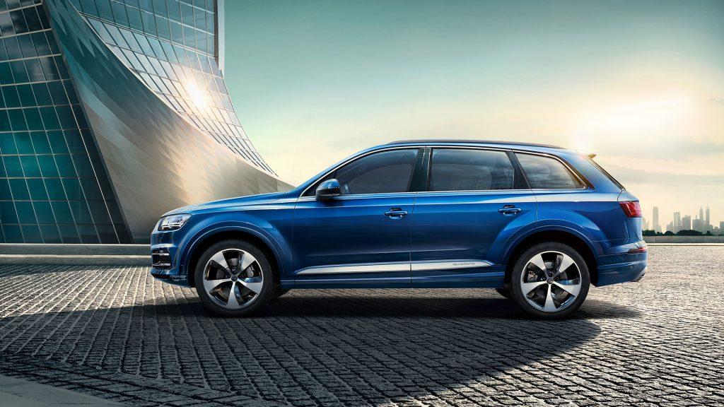 Audi Q7 - серебро в категории «Большие кроссоверы и SUV»