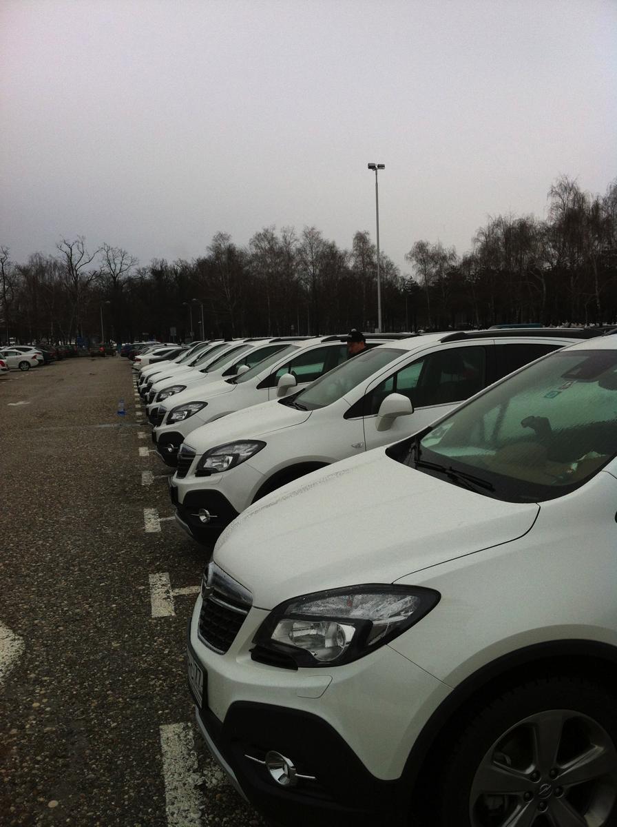 Opel Mokka: Итак наш тест-драйв стартует в аэропорту Загреба, столицы Хорватии.