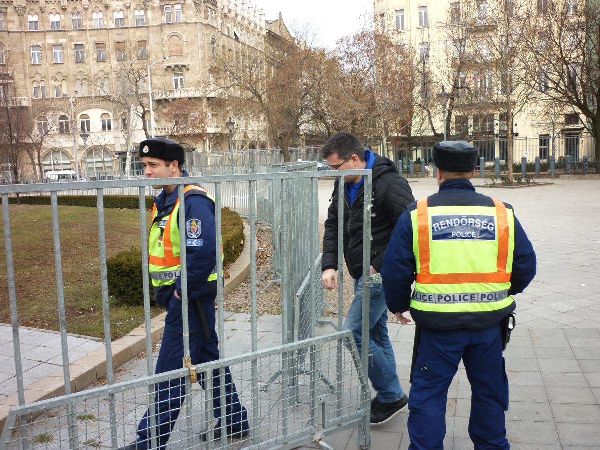 Opel Mokka. Вадим Шитко: всего через 15 минут мы прибыли в полицейский участок, 5 минут на прения сторон и еще через 10 экипаж-нарушитель благополучно вернулся на дистанцию