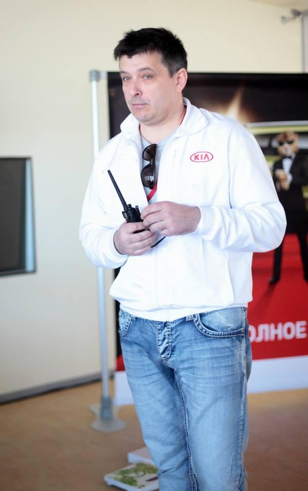 KIA Soul new, Вадим Шитко: Как всегда, перед тест-драйвом небольшой брифинг по задачам дня и подписание Соглашения о безопасности и за работу!