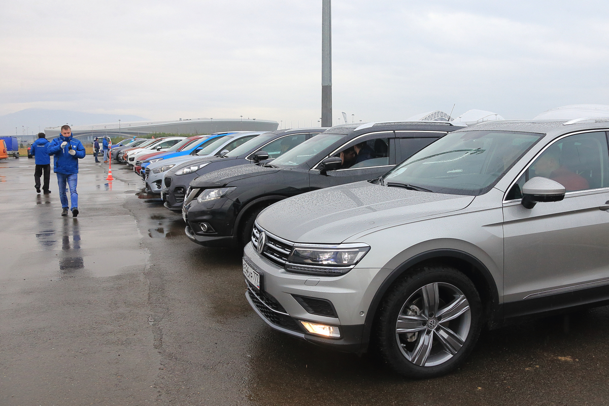 Дилерский тренинг VW в рамках тест-драйва ставил стандартные задачи, а именно: Показать автомобиль в естественной для него среде обитания и сравнить его с конкурентами