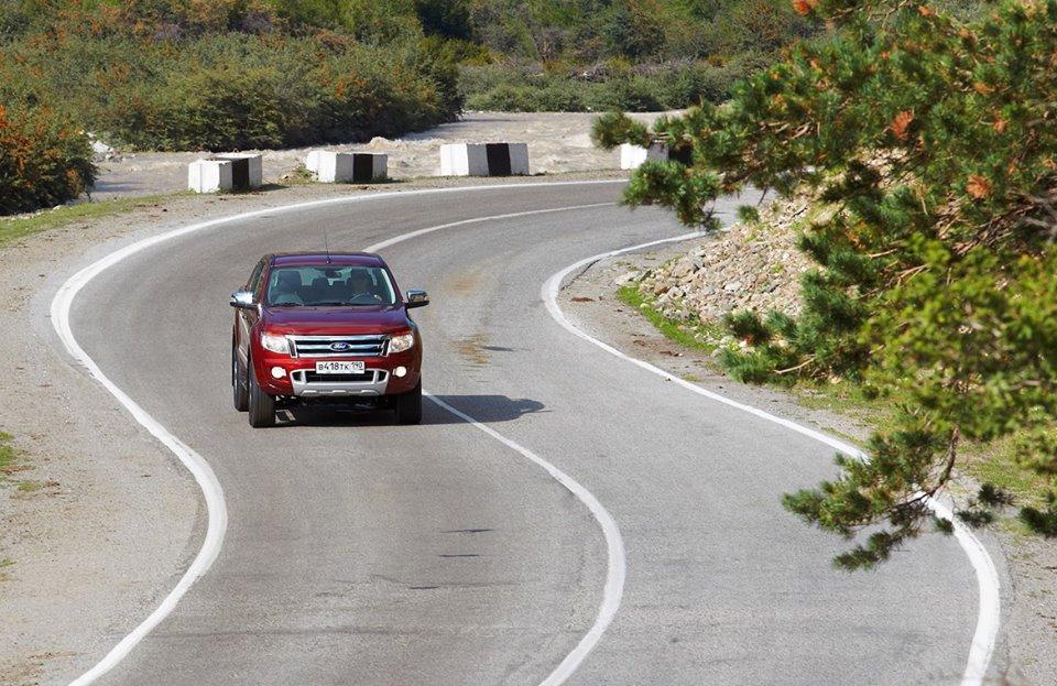 Ford Ranger: серпантин на перевале Коль Де Турини, одного из спецучастков Ралли Монте-Карло