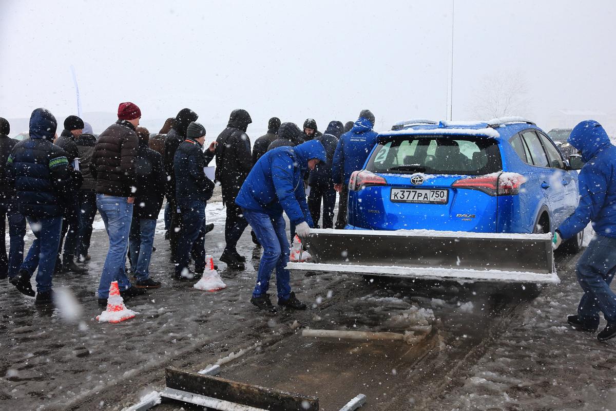 Дилерский тренинг VW. Непредсказуемая погода в это время годачасто вносили свои коррективы в процесс подготовки, а главное во время прохождения проекта