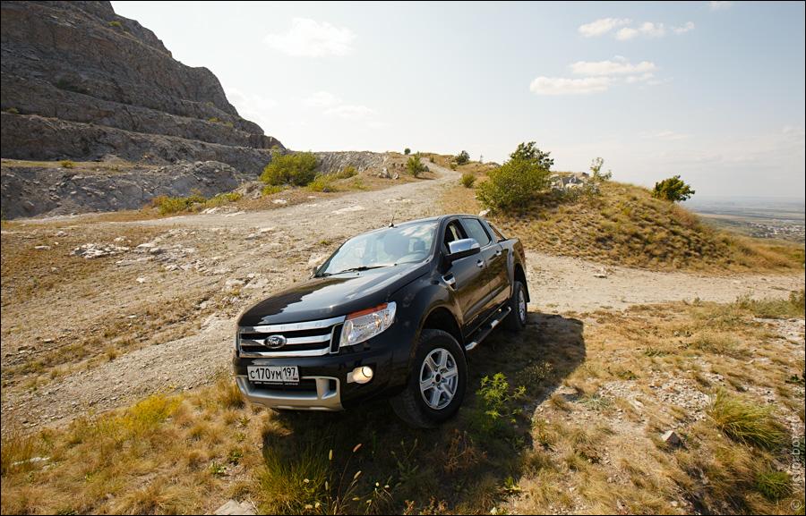 Ford Ranger, Вадим Шитко: Итак, мы в МинВодах. Знакомимся с местным дилером. Ползаем по горам в поисках офроуд маршрута для демонстрации проходимости нашего героя