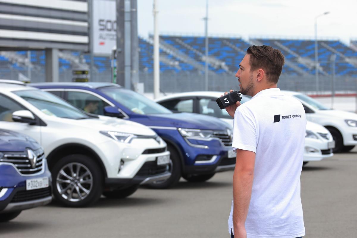 Живописный маршрут тест-драйва Renault Koleos и его основных конкурентов пролегал недалеко от Олимпийского парка